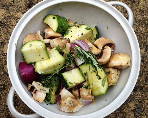 couscous salat mit tintenfisch und gem sespie vom grill derultimativekochblog. Black Bedroom Furniture Sets. Home Design Ideas