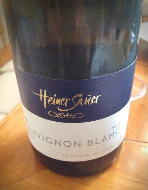 Dodis Weinbegleitung: Sauvignon Blanc vom Weingut Heiner Sauer aus Böchingen/Pfalz.