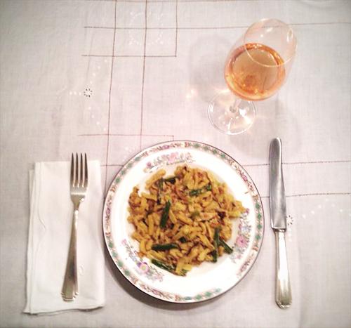 Außenkorrespondent Dodi kocht: Kross gebratene Käsespätzle