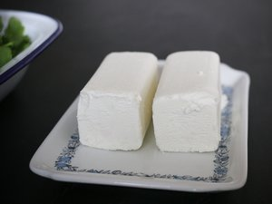 Ziegenkäse-Rucola-Zitronen-Tortellini aus WAN TAN-Teig