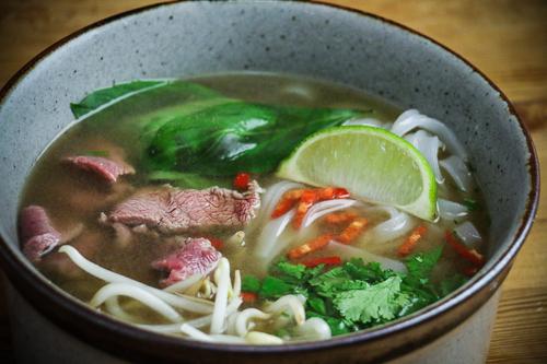 ph b vietnamesische suppe mit rind derultimativekochblog. Black Bedroom Furniture Sets. Home Design Ideas